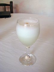 Photo of a pisco sour cocktail by Will. Some rights reserved.